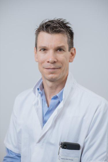 Dr Belot, chirurgien spécialiste genou et hanche à Rennes